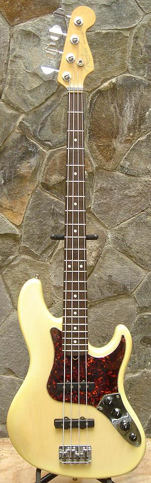 FenderJazzBassDeluxe1996.jpg
