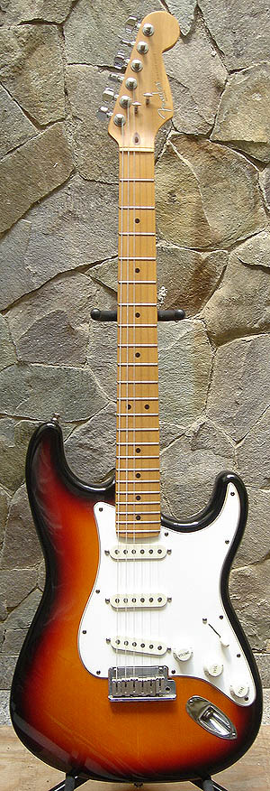 FenderStratSunburst95NOS.jpg?osCsid=lturiaqhrjjf